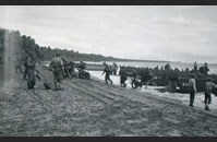Marines unload from LCP(L)s